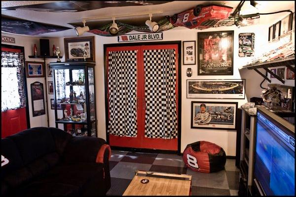 race-car 12 Man-tastic Man Caves