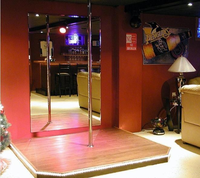 stripper-pole 12 Man-tastic Man Caves