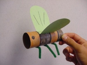 bee-300x225 21 Cool Toilet Paper Roll Creations
